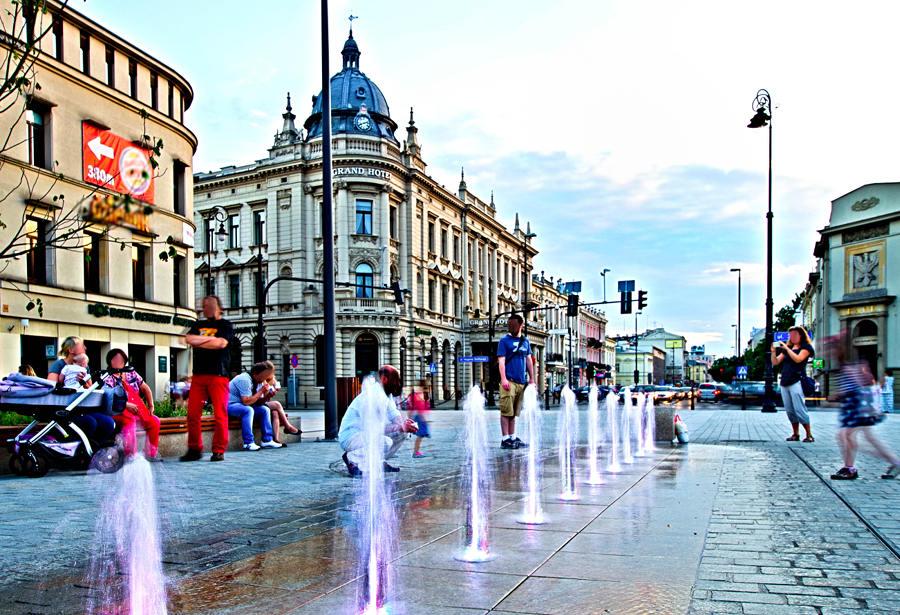 Srebrna woda na Krakowskim Przedmieściu
