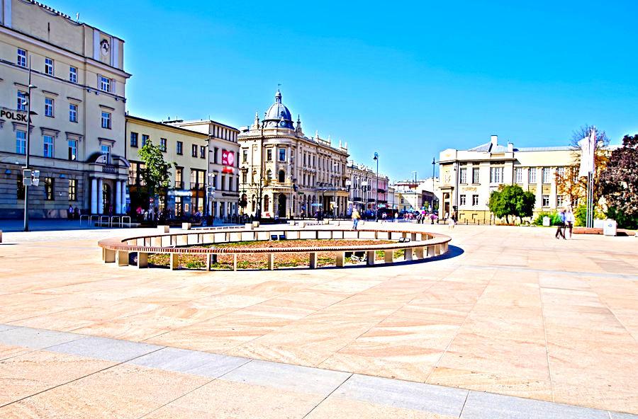 Upalne Przedpołudnie na Krakowskim Przedmieściu