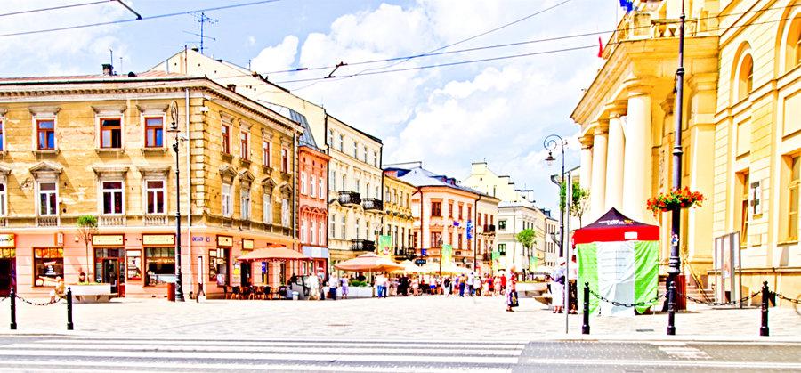 Widok na deptak Krakowskiego Przedmieścia w Lublinie