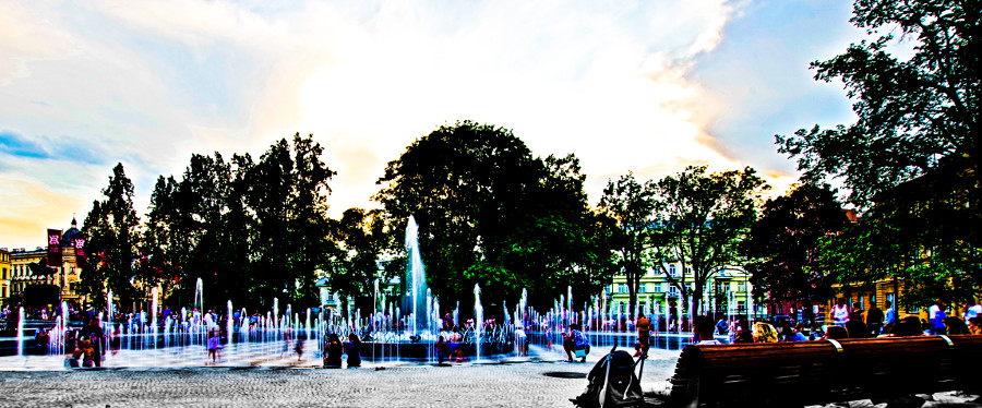 Wielka fontanna koło Hotelu Europa w Lublinie