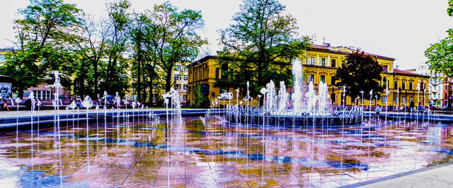 Fontanna multimedialna w Lublinie - niteczki wodne