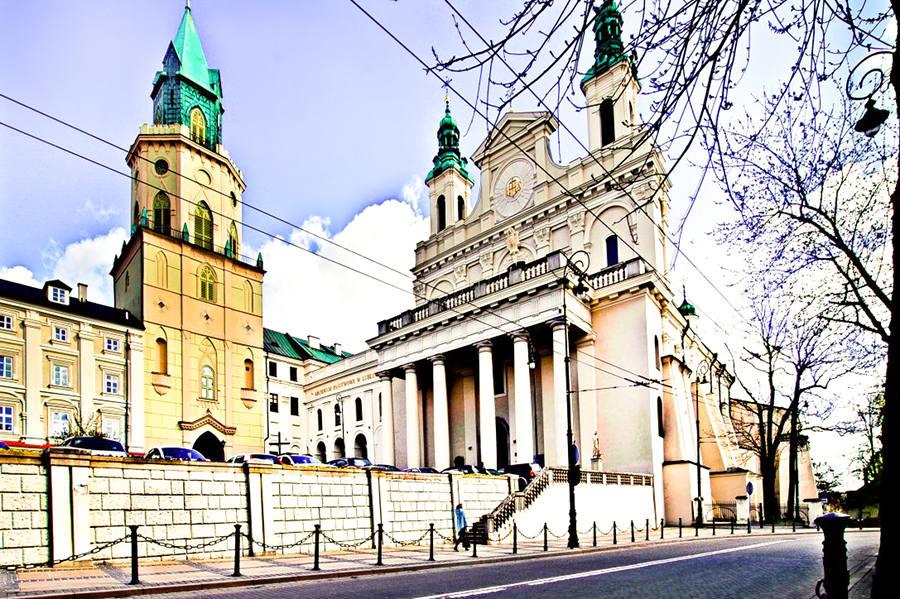 Lublin - Wieża Trynitarska widoczna z ulicy Królewskiej