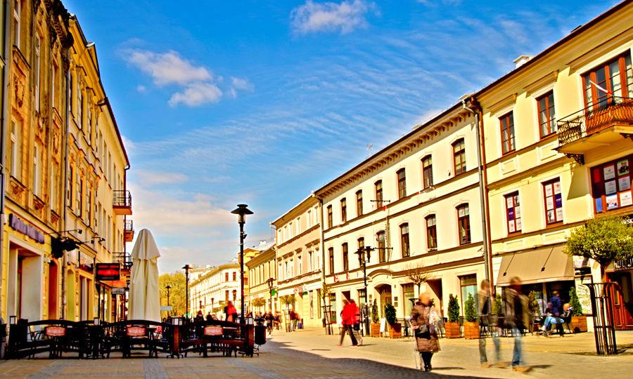 Z hotelu do Placu Litewskiego