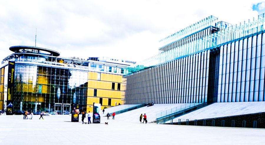 Dwa centra na Placu Teatralnym -LCK i CSK