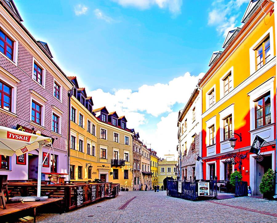 Kolory kamieniczek na ulicy Grodzkiej
