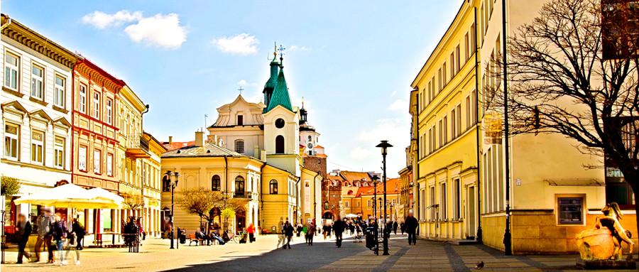 Krakowskie Przedmieście obok Hotelu Vanilla