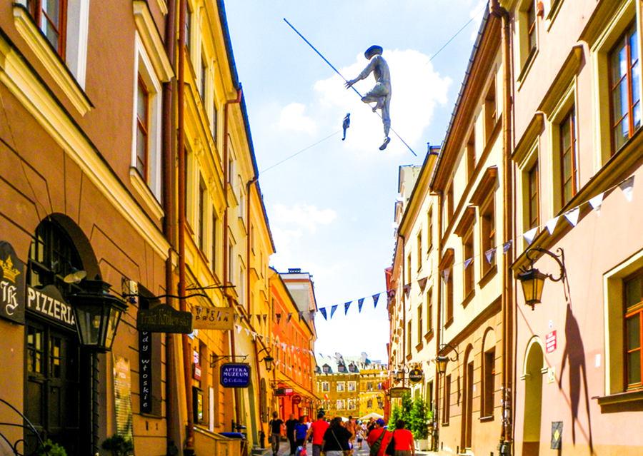 Linoskoczek nad ulicą Grodzką