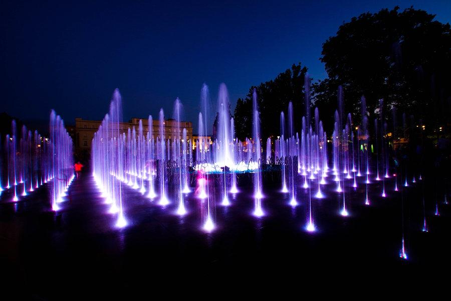 W labiryncie fontanny multimedialnej w Lublinie