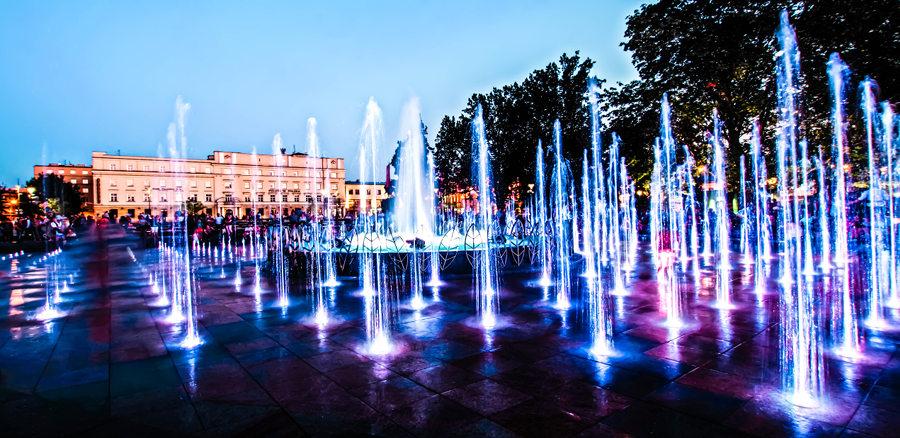 Przezroczyste strugi fontanny.jpg