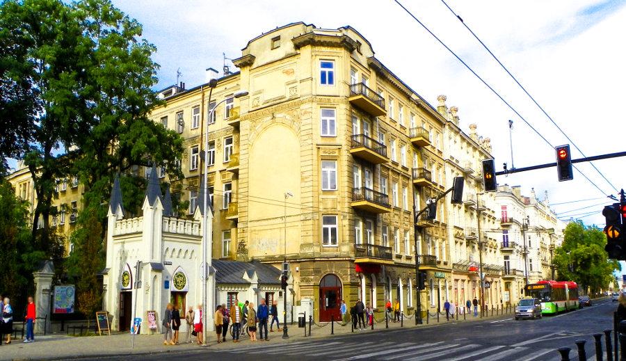 Kamienica przy Ogrodzie Saskim blisko Hotelu Wieniawski