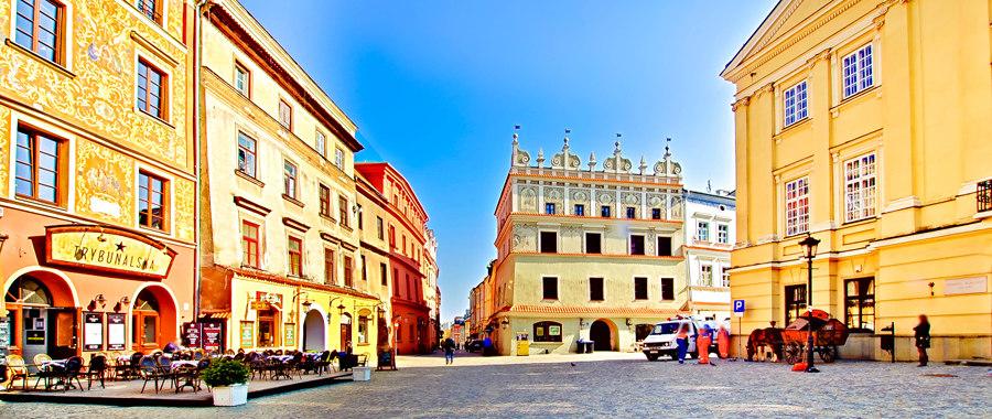 Rynek w Lublinie po wschodzie słońca
