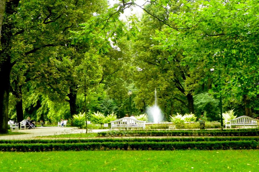 Wypoczynek w Ogrodzie Saskim obok Hotel Mercure Lublin