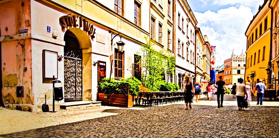 Ulica Bramowa, prowadząca do Rynku Starego Miasta w Lublinie