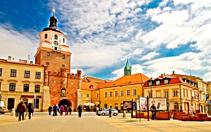 Krakowskie Przedmieście w Lublinie z Bramą Krakowską