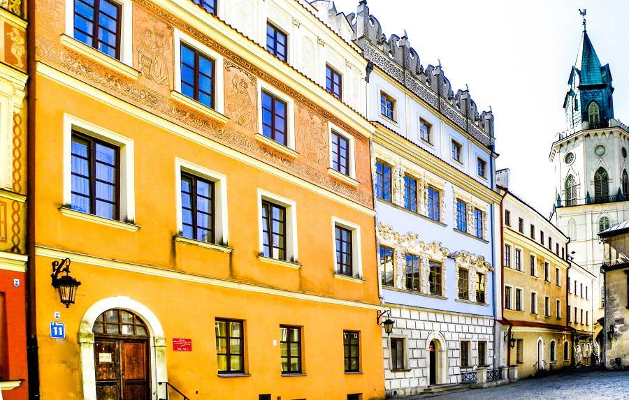 Pierzeja wschodnia Rynku w Lublinie tuż przy hotelu Trybunalska