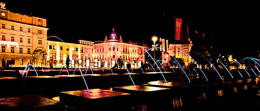 Plac Litewski nieopodal Apartamentów przy Starówce - zdjęcie nocne