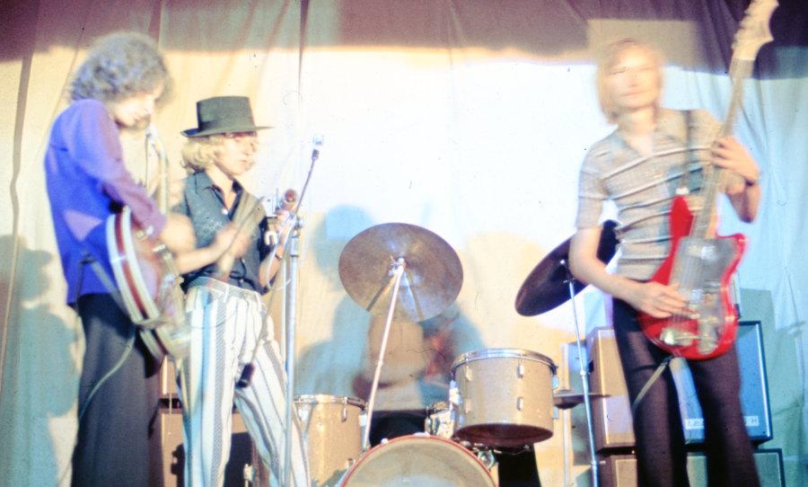 Slajd nr 2 po skanowaniu, z grupą muzyczną z Lublina