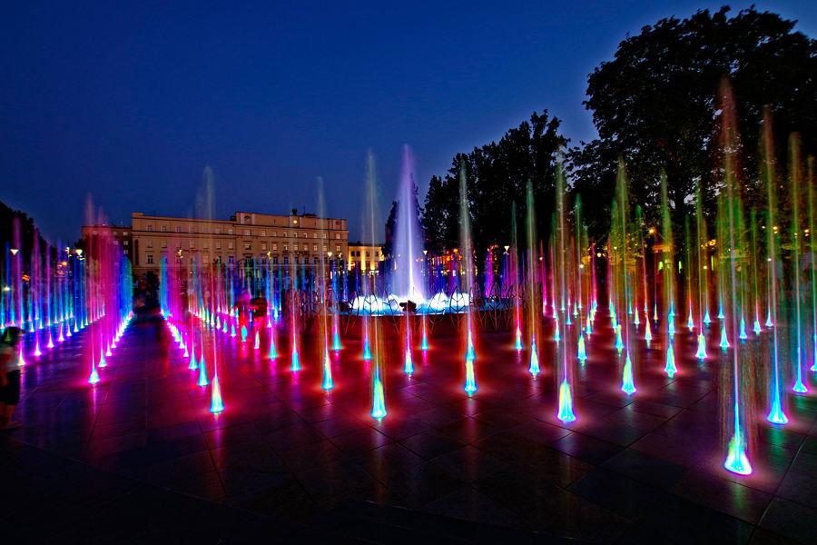 Świecący labirynt niedaleko hotelu Waksman Lublin