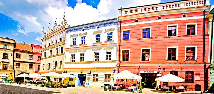Piękna pierzeja w Rynku, niedaleko Cent Hostel