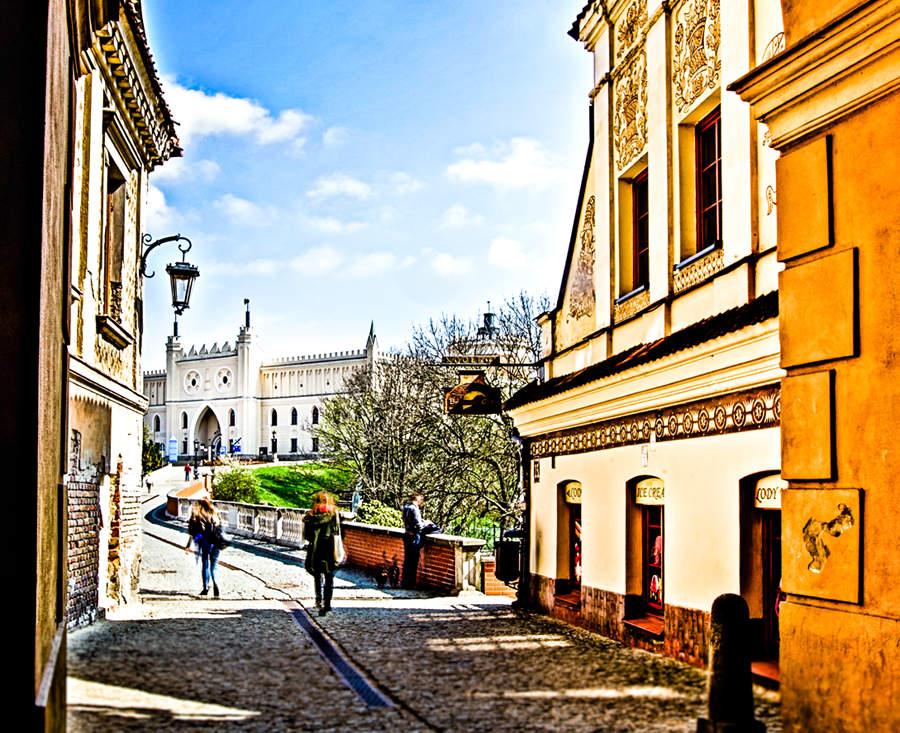 Brama Cafe w Lublinie - widok z Bramy Grodzkiej, na zdjęciu do galerii