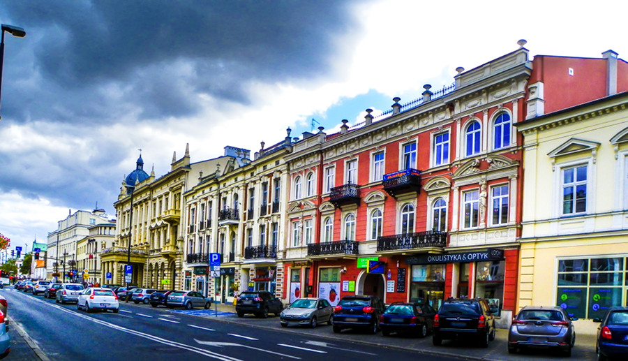 Czarne chmury nad IBB Grand Hotelem w galerii zdjęć