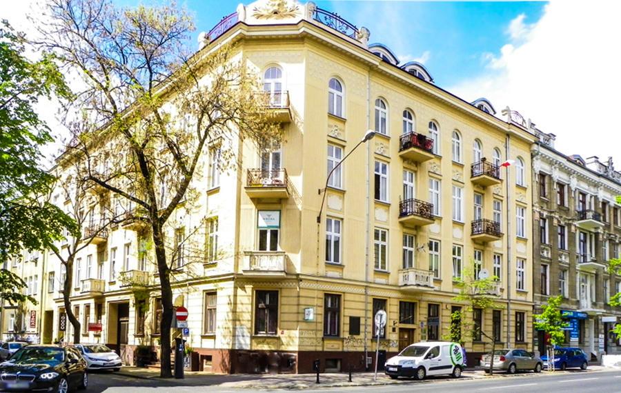 Piękna kamienica obok Hotelu Wieniawski, w galerii zdjęć