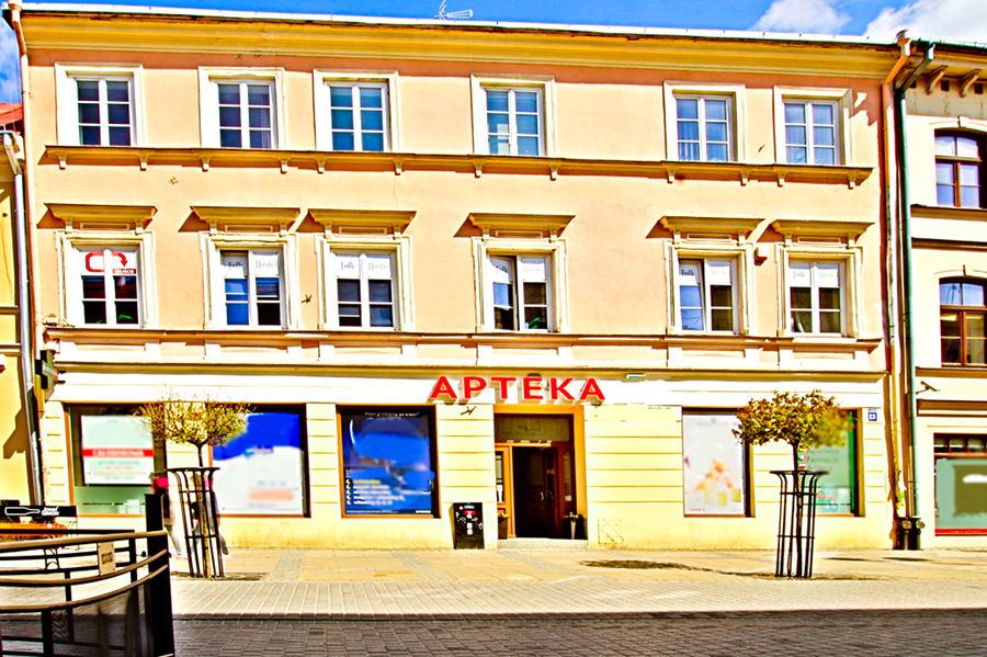Folk Hostel w Lublinie, na zdjęciu z bliska, do galerii