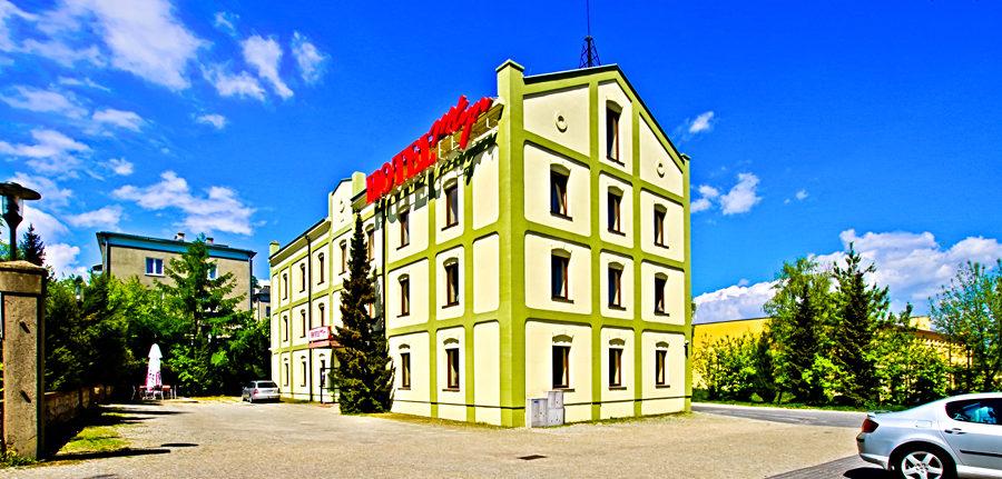 Hotel Młyn w Lublinie z daleka, w galerii zdjęć