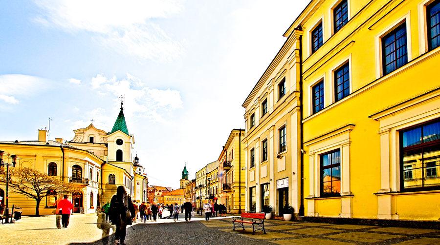 Droga z Folk Hostel na Stare Miasto w Lublinie, w galerii zdjęć