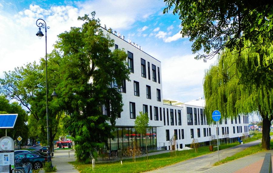 Widok z mostu na Bystrzycy, na Arche Hotel Lublin - zdjęcie do galerii