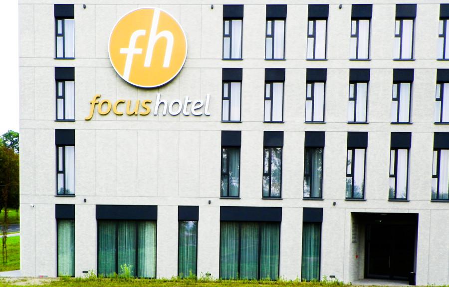 Fragment fasady Focus Hotel-Premium Lublin, do galerii zdjęć