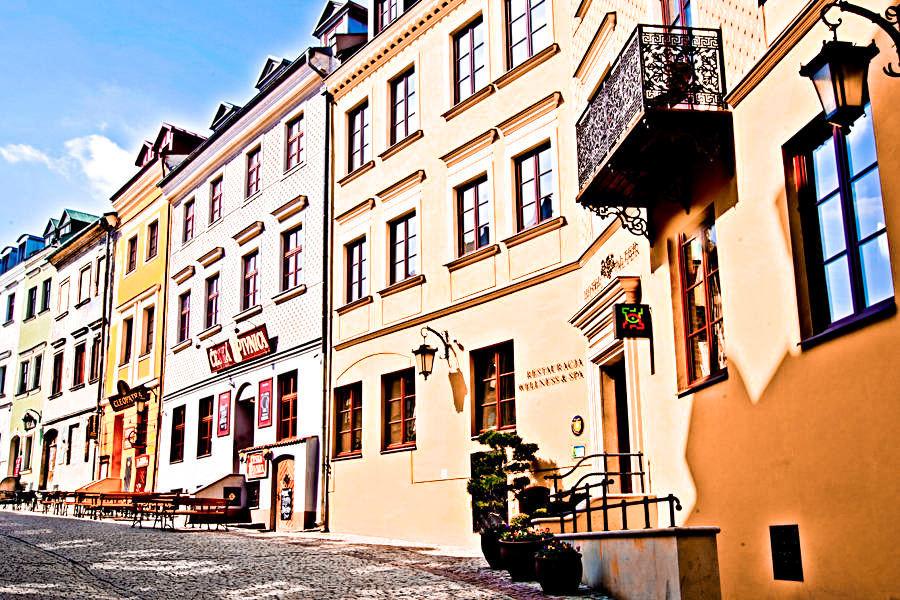 Hotel Alter w Lublinie - widok od Bramy Grodzkiej do galerii zdjęć