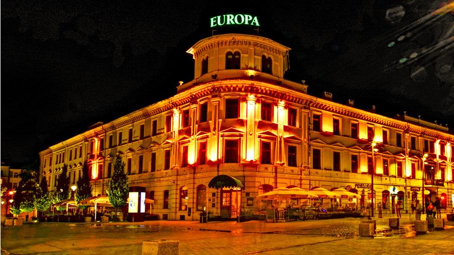 Hotel Europa Lublin o północy, do galerii zdjęć