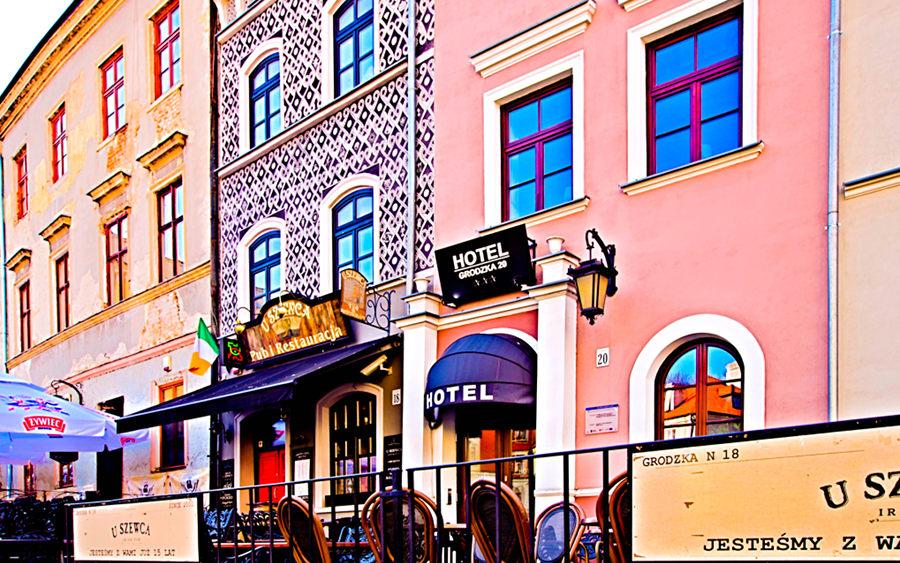 Fragment fasady Hotelu Grodzka 20 w Lublinie, do galerii zdjęć