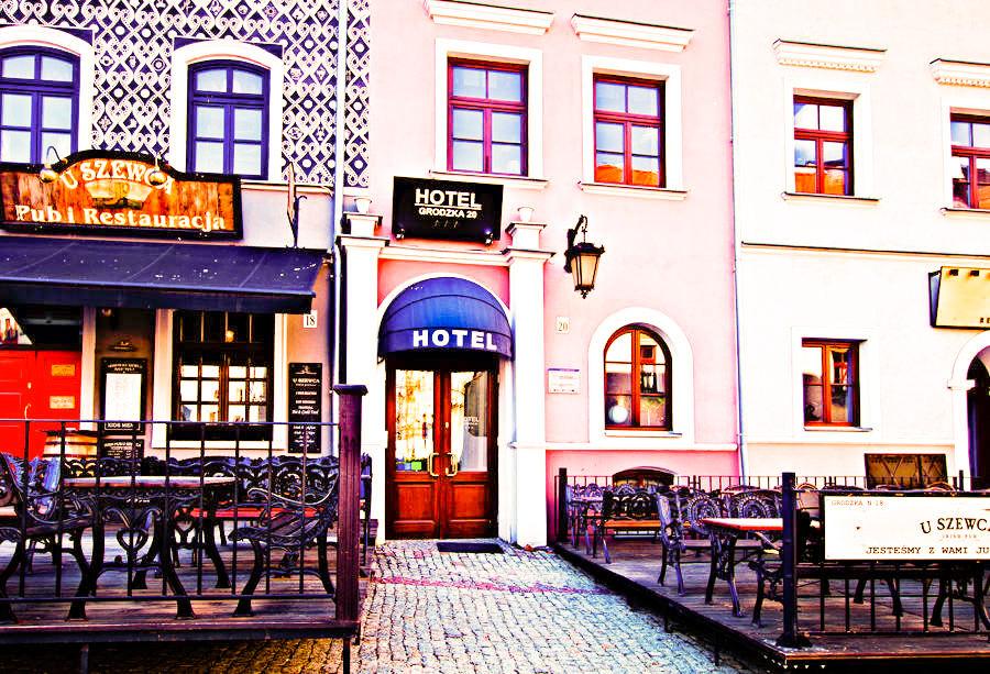 Wejście Hotelu Grodzka 20 w Lublinie - zdjęcie do galerii