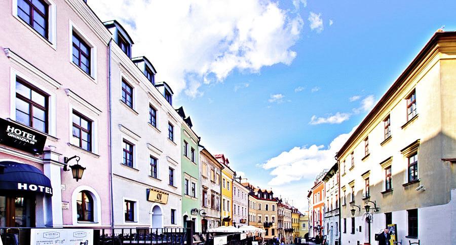 Hotel Grodzka 20 z perspektywy ul. Grodzkiej w Lublinie - do galerii zdjęć