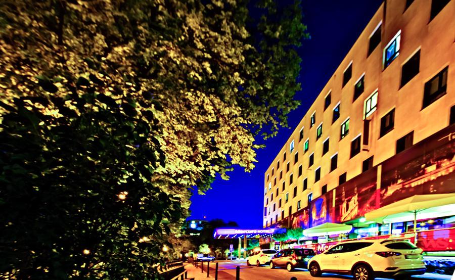Hotel Mercure Lublin wieczorem - zdjęcie do galerii