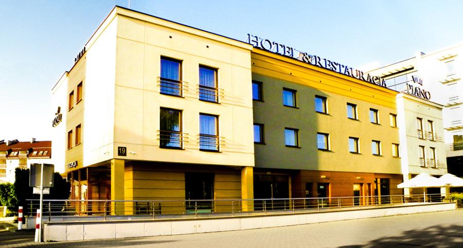 Fasada Hotelu Piano Lublin w perspektywie - zdjęcie do galerii