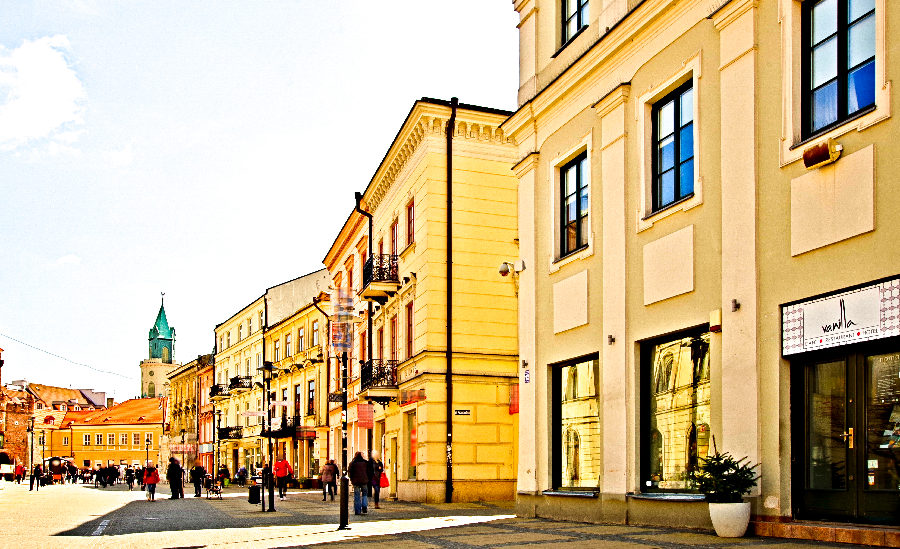 Frontonik Hotelu Vanilla w Lublinie, w perspektywie - zdjęcie do galerii