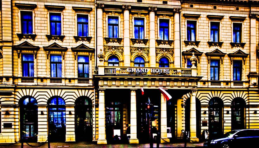 Fragment fasady IBB Grand Hotelu Lublinianka - do galerii zdjęć
