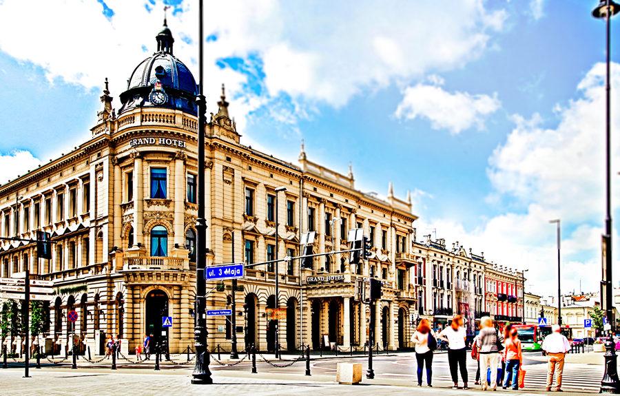 IBB Grand Hotel Lublinianka w upalnym słońcu - zdjęcie do galerii