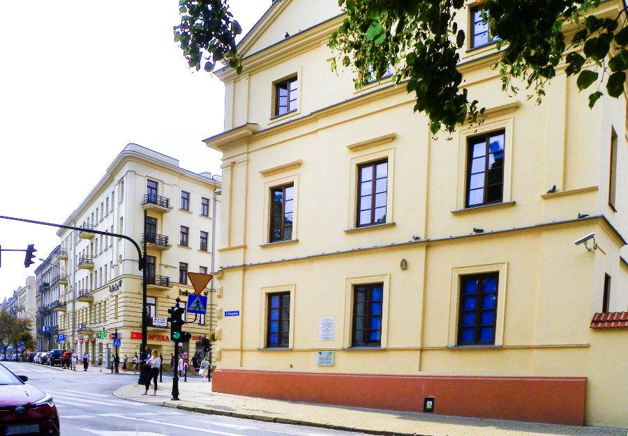 Krakowskie Przedmieście w Lublinie obok Cent Hostel, do galerii zdjęć