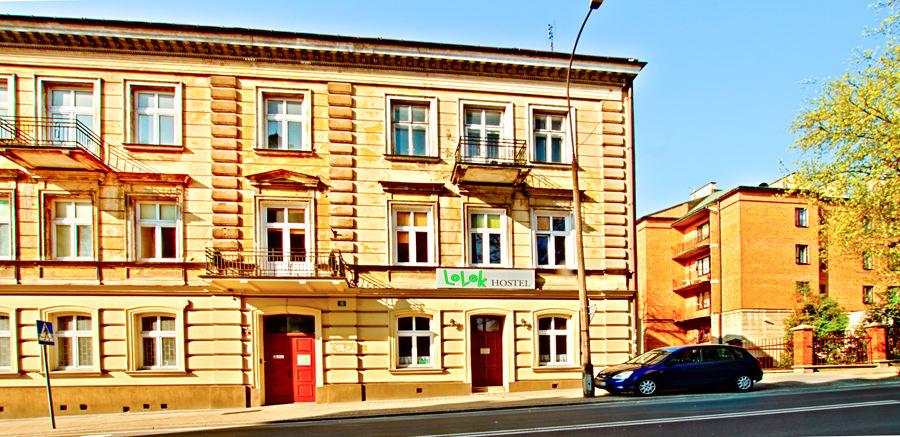 Fragment fasady Lolek Hostel w Lublinie , do galerii zdjęć