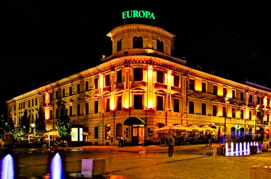 Nocny widok na Hotel Europa Lublin - zdjęcie do galerii