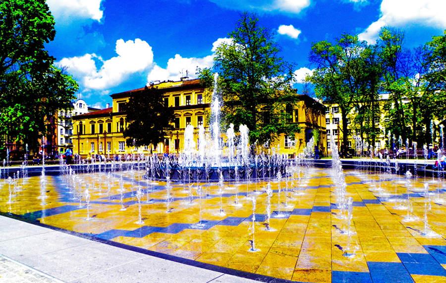 Atrakcje turystyczne Lublina - gry wodne w fontannie multimedialnej