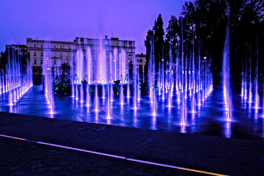 Atrakcje turystyczne Lublina - liliowy popis w fontannie multimedialnej