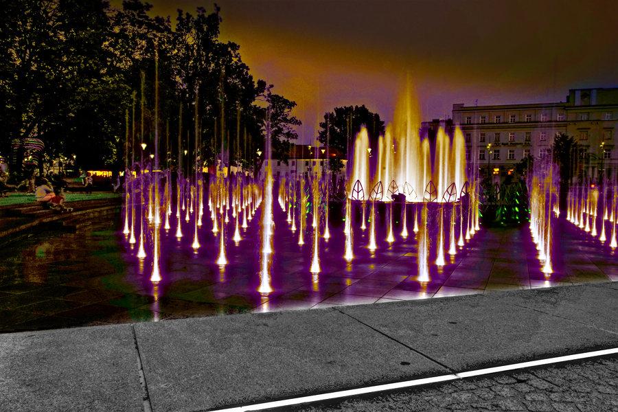 Atrakcje turystyczne Lublina - pozłacana woda fontanny multimedialnej