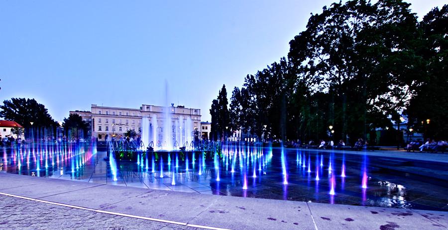 Atrakcje turystyczne Lublina - skrzaty w fontannie multimedialnej