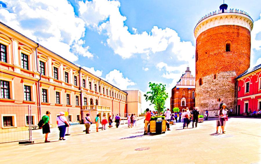 Atrakcje turystyczne Lublina - zdjęcie dziedzińca Zamku Lubelskiego