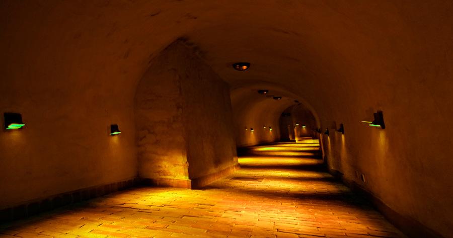 Atrakcje turystyczne Lublina - zdjęcie korytarza pod ziemią